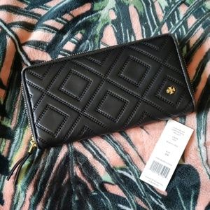 TORY BURCH Black Leather Clutch Zip Wallet